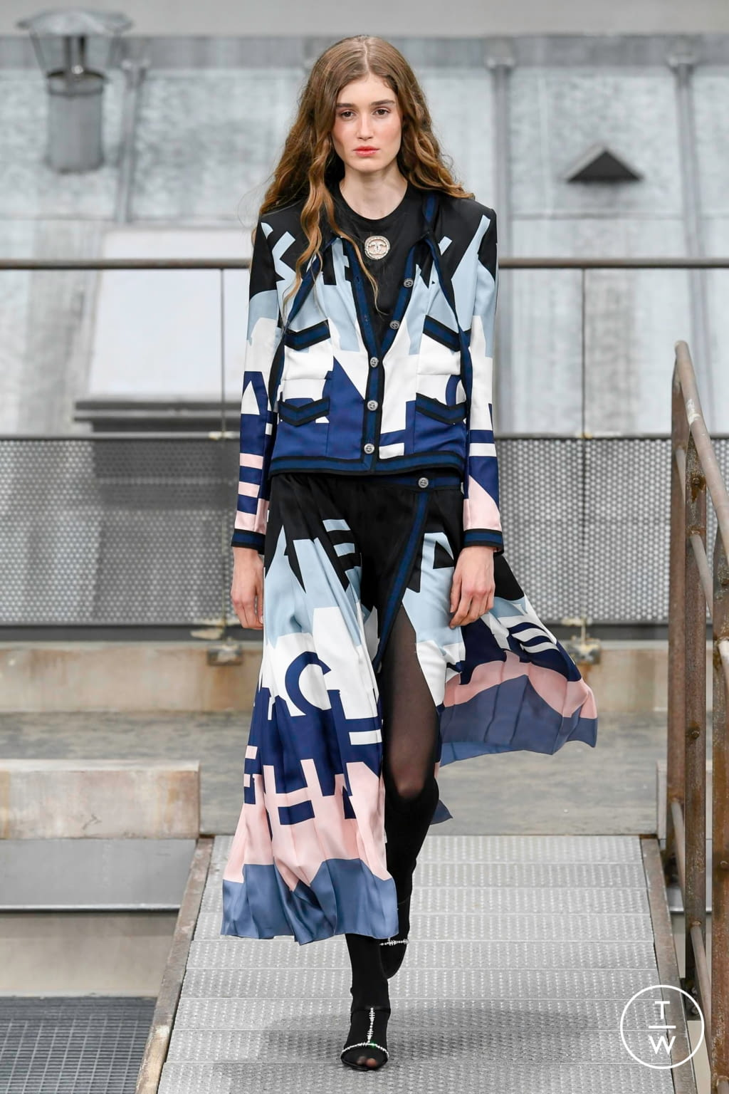 Fashion Week Paris Spring/Summer 2020 look 58 from the Chanel collection womenswear