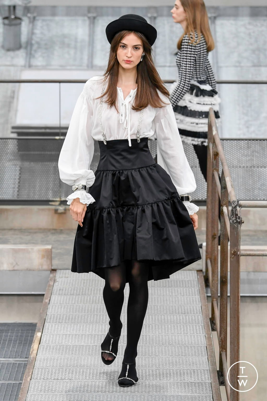 Fashion Week Paris Spring/Summer 2020 look 76 from the Chanel collection womenswear