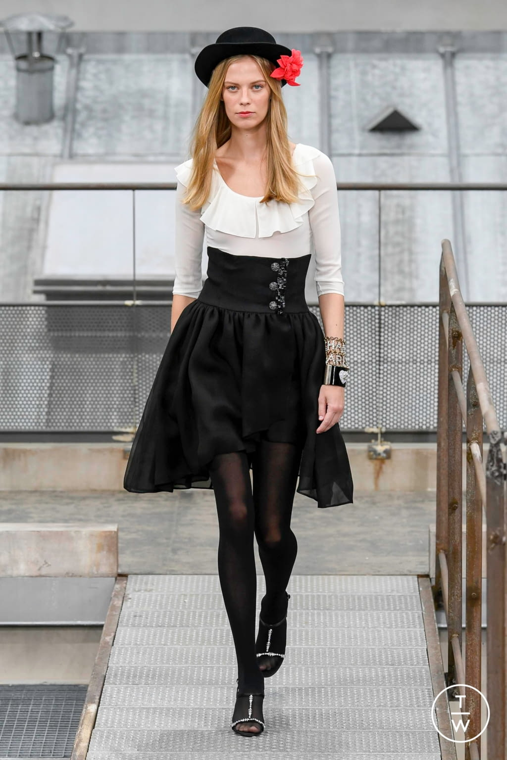 Fashion Week Paris Spring/Summer 2020 look 78 from the Chanel collection womenswear
