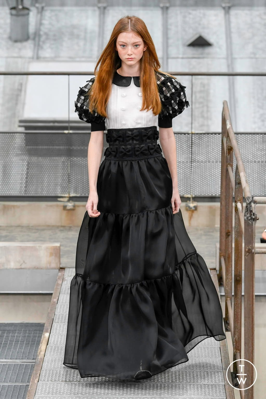 Fashion Week Paris Spring/Summer 2020 look 80 from the Chanel collection womenswear