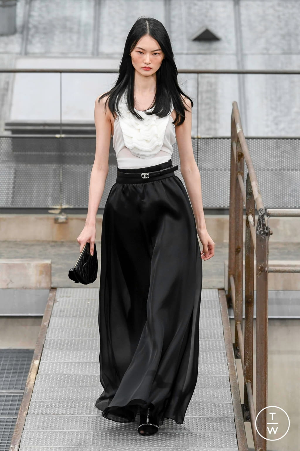 Fashion Week Paris Spring/Summer 2020 look 81 from the Chanel collection womenswear