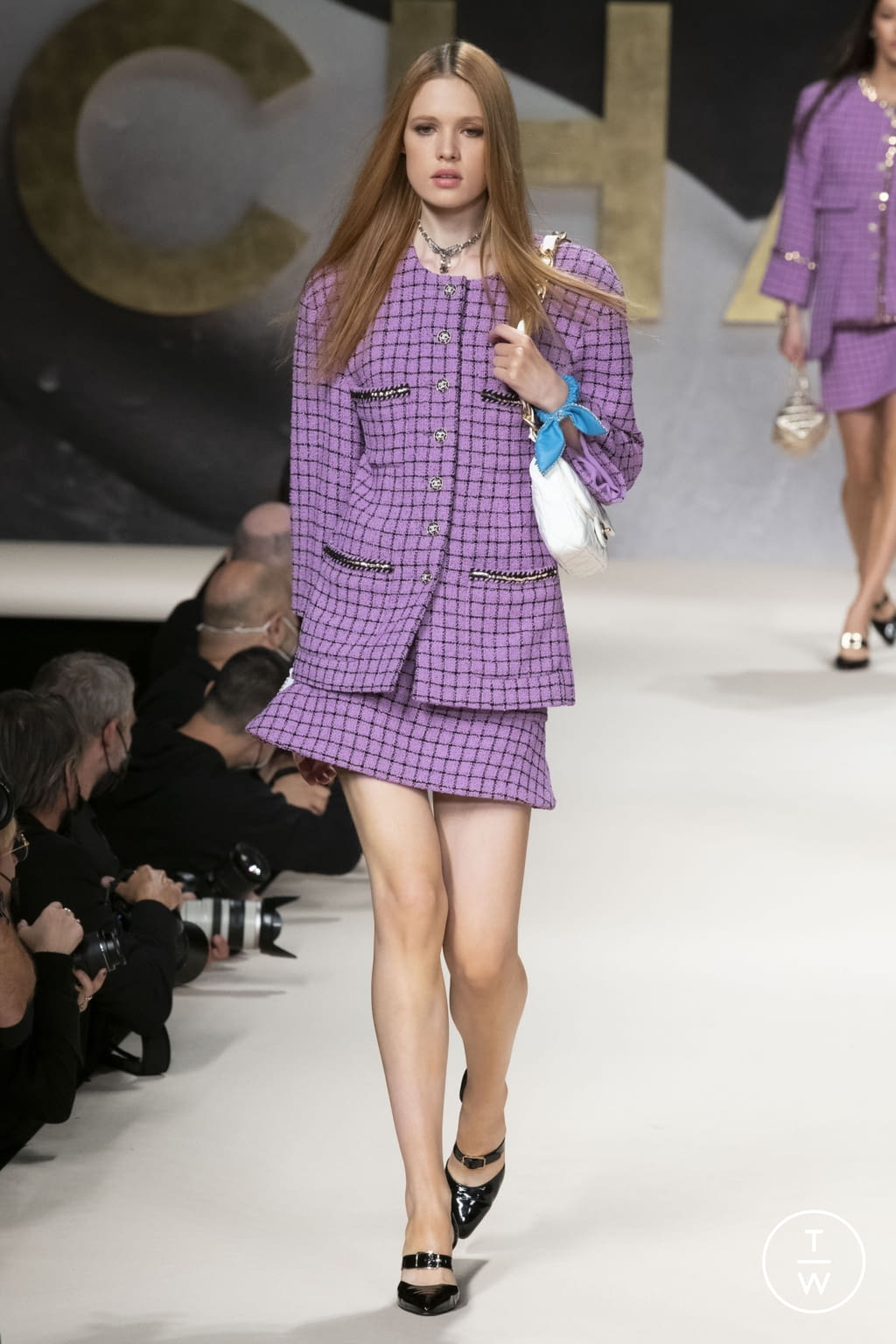 Fashion Week Paris Spring/Summer 2022 look 49 from the Chanel collection womenswear