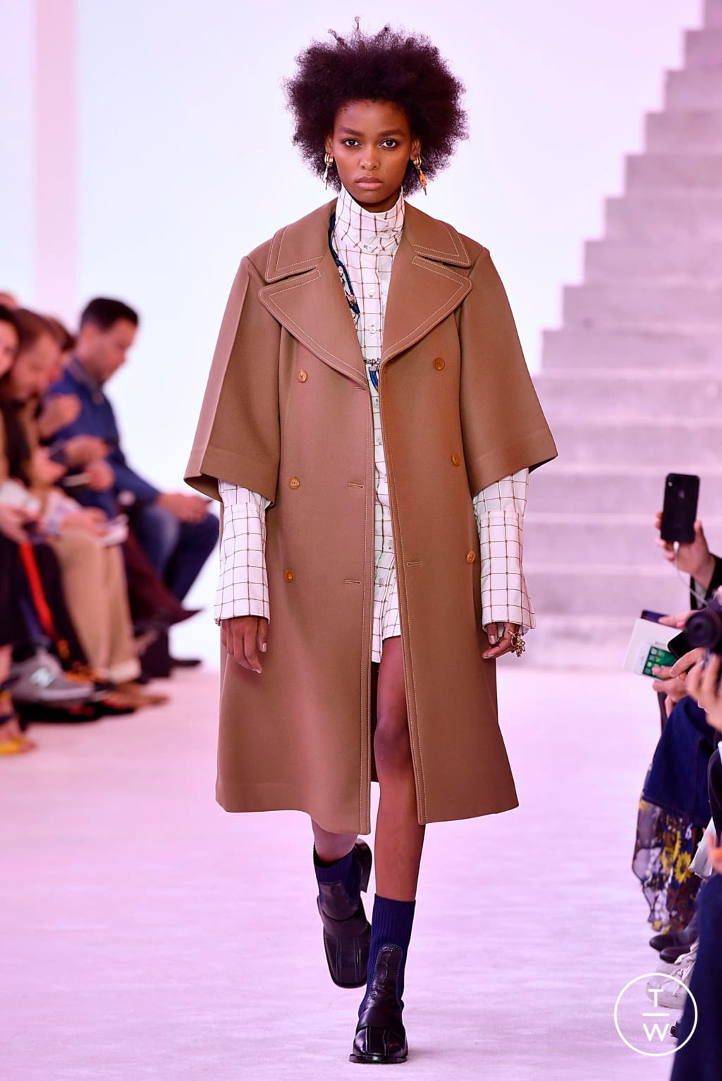 Fashion Week Paris Fall/Winter 2019 look 1 from the Chloé collection womenswear