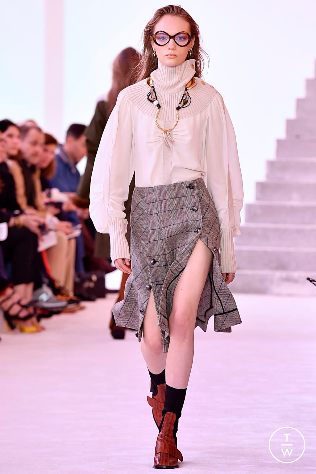 Fashion Week Paris Fall/Winter 2019 look 5 from the Chloé collection womenswear