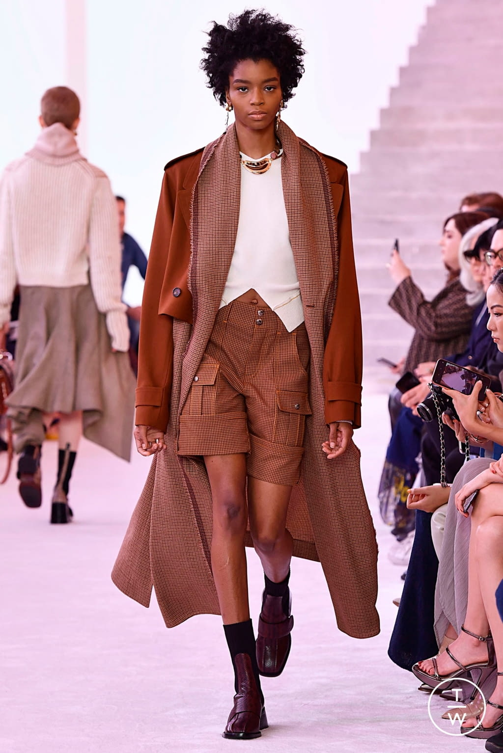Fashion Week Paris Fall/Winter 2019 look 20 from the Chloé collection womenswear