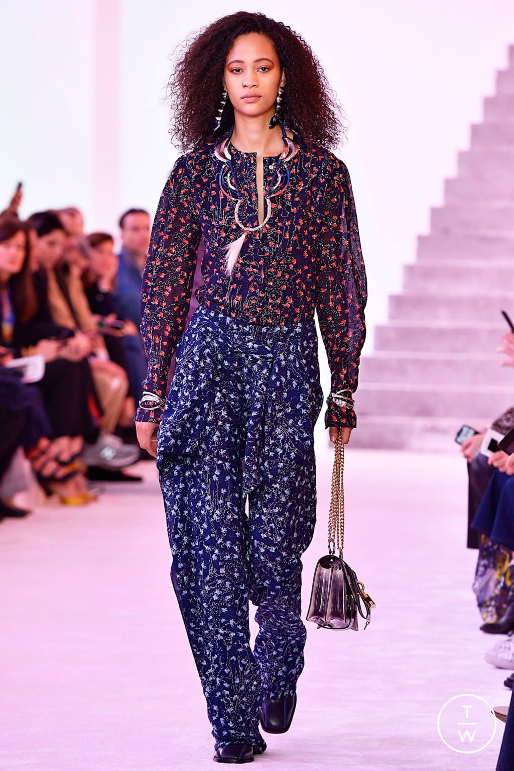 Fashion Week Paris Fall/Winter 2019 look 54 from the Chloé collection womenswear