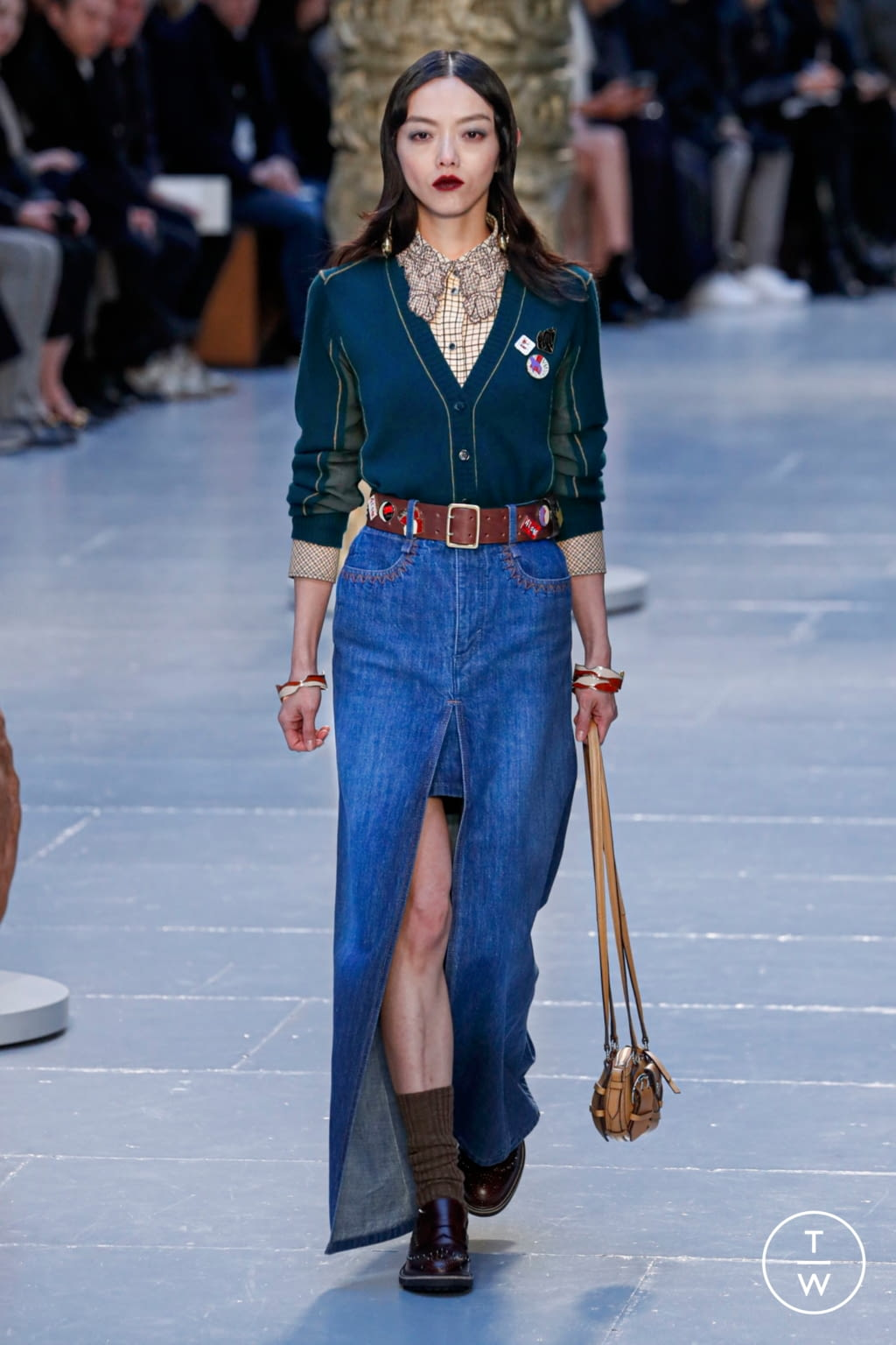 Fashion Week Paris Fall/Winter 2020 look 6 from the Chloé collection womenswear