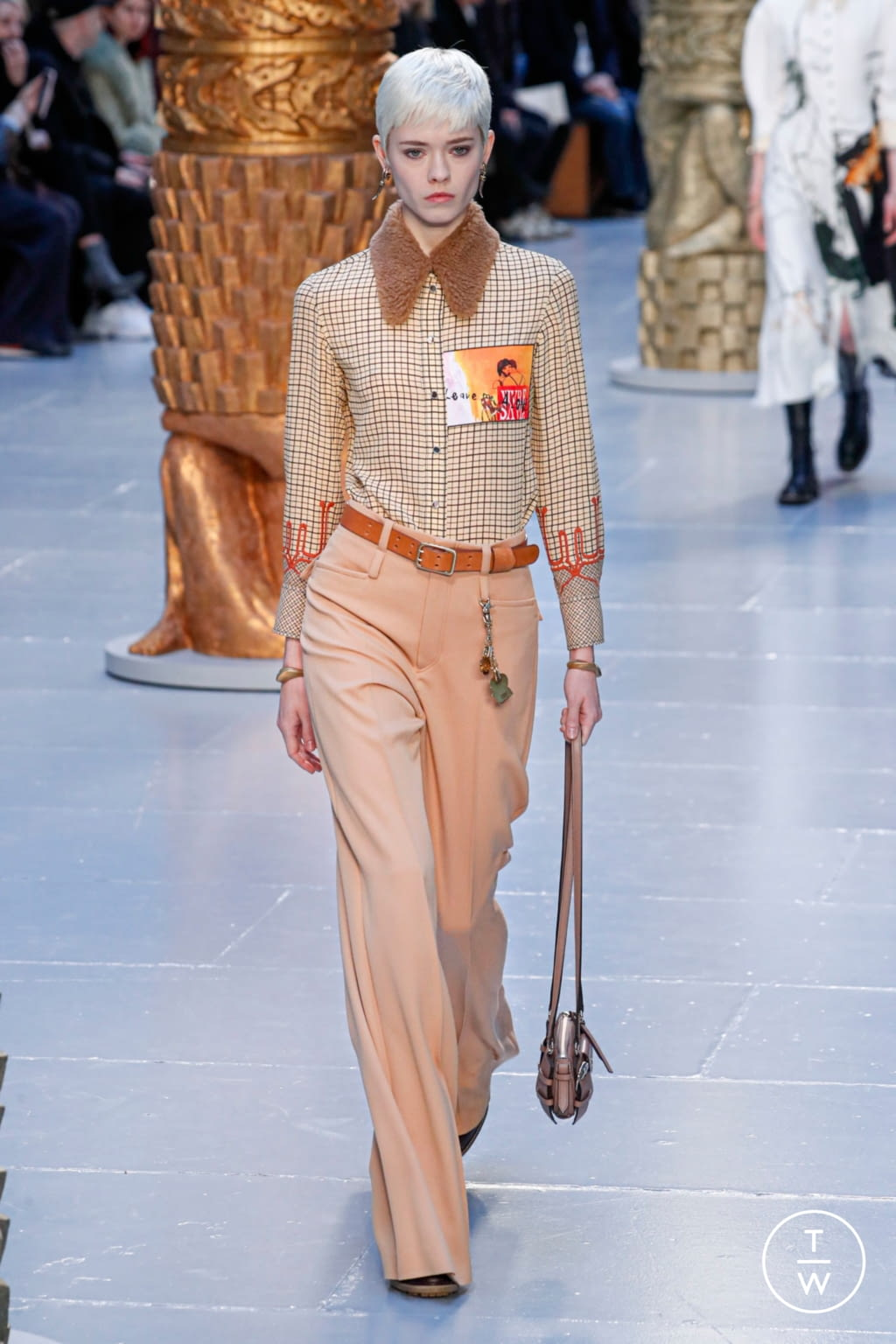 Fashion Week Paris Fall/Winter 2020 look 10 from the Chloé collection womenswear