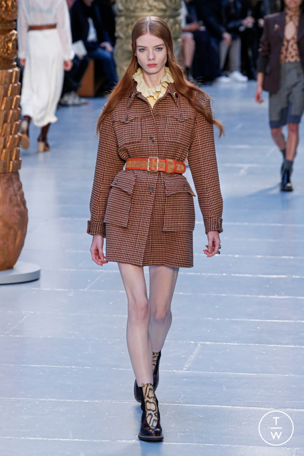 Fashion Week Paris Fall/Winter 2020 look 19 from the Chloé collection womenswear