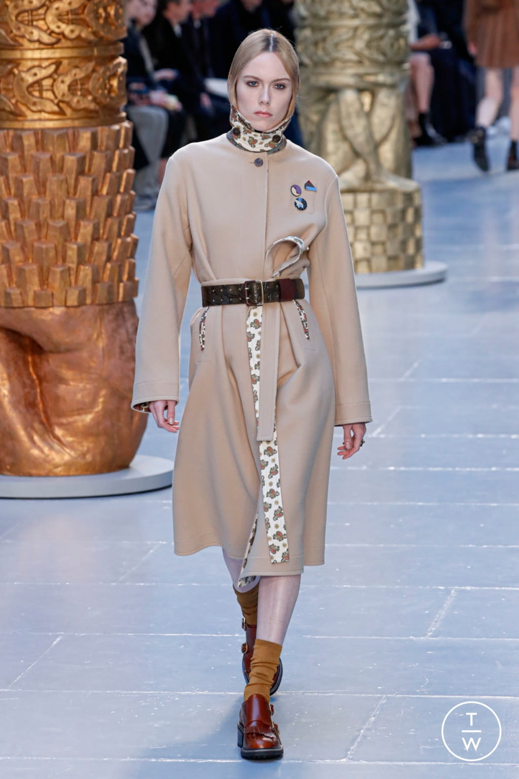 Fashion Week Paris Fall/Winter 2020 look 22 from the Chloé collection womenswear