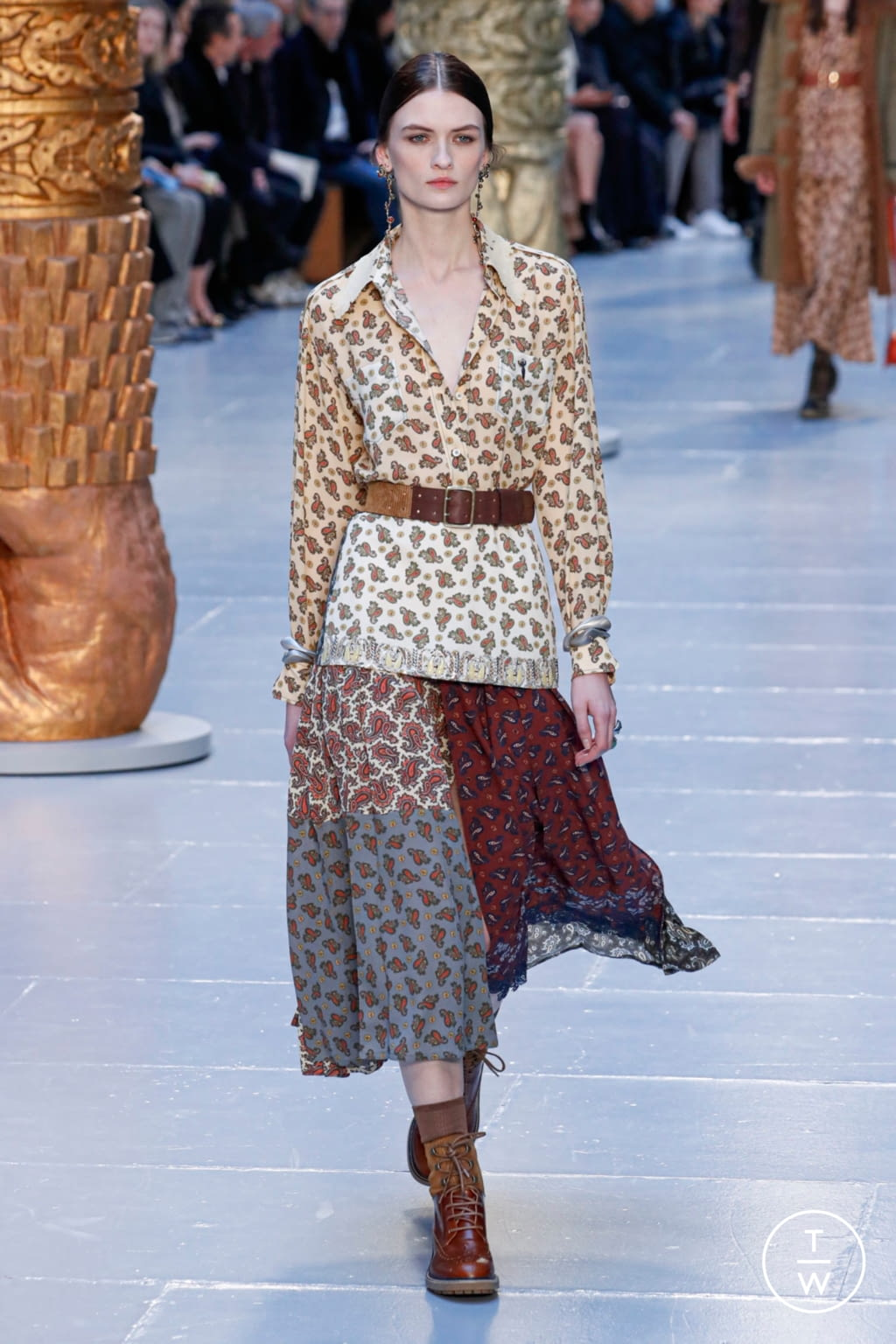 Fashion Week Paris Fall/Winter 2020 look 23 from the Chloé collection womenswear