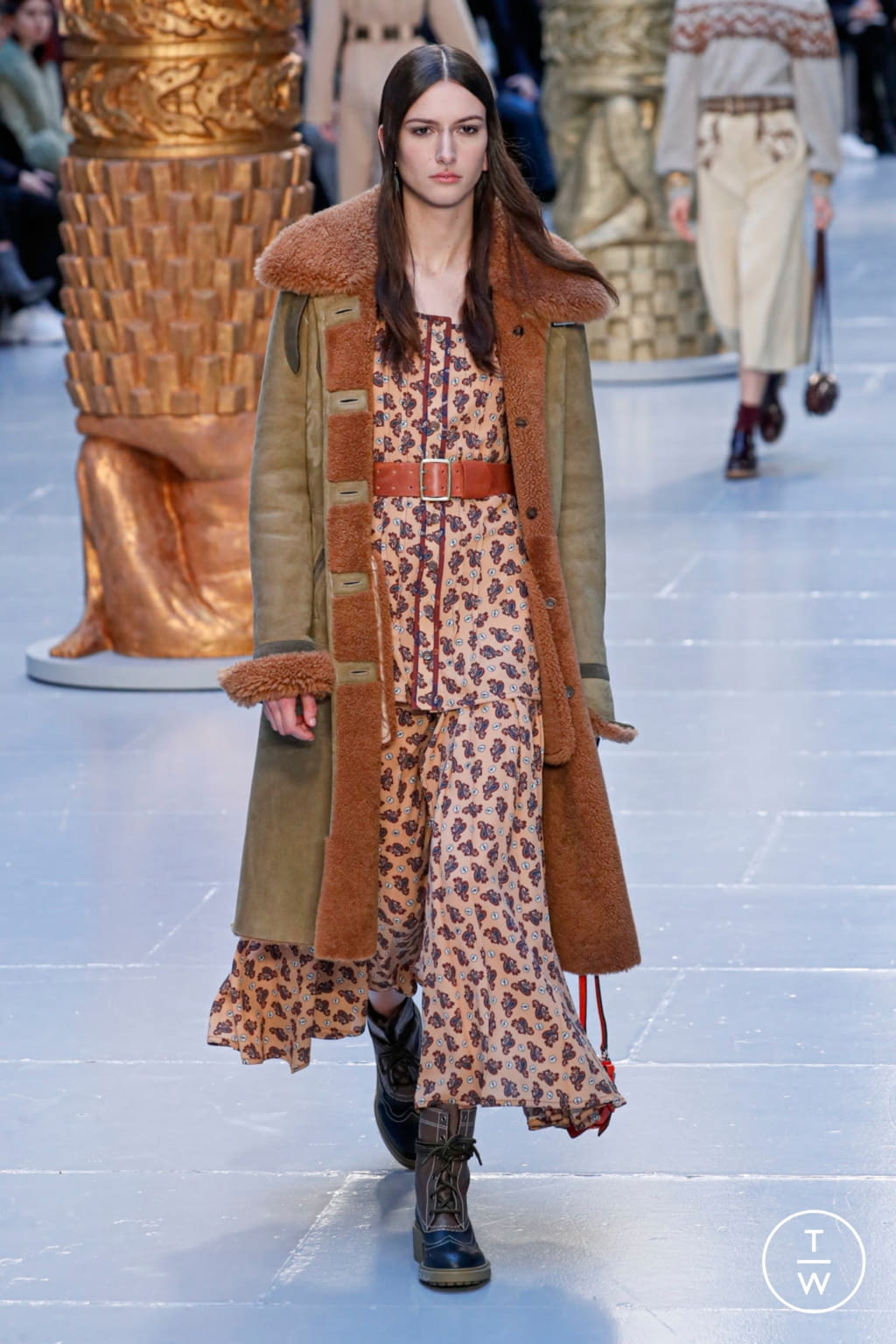 Fashion Week Paris Fall/Winter 2020 look 24 from the Chloé collection womenswear