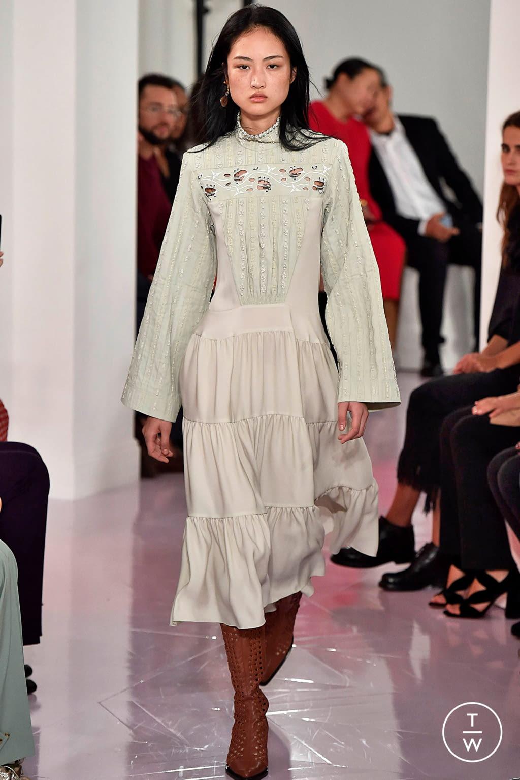 Fashion Week Paris Spring/Summer 2018 look 2 de la collection Chloé womenswear