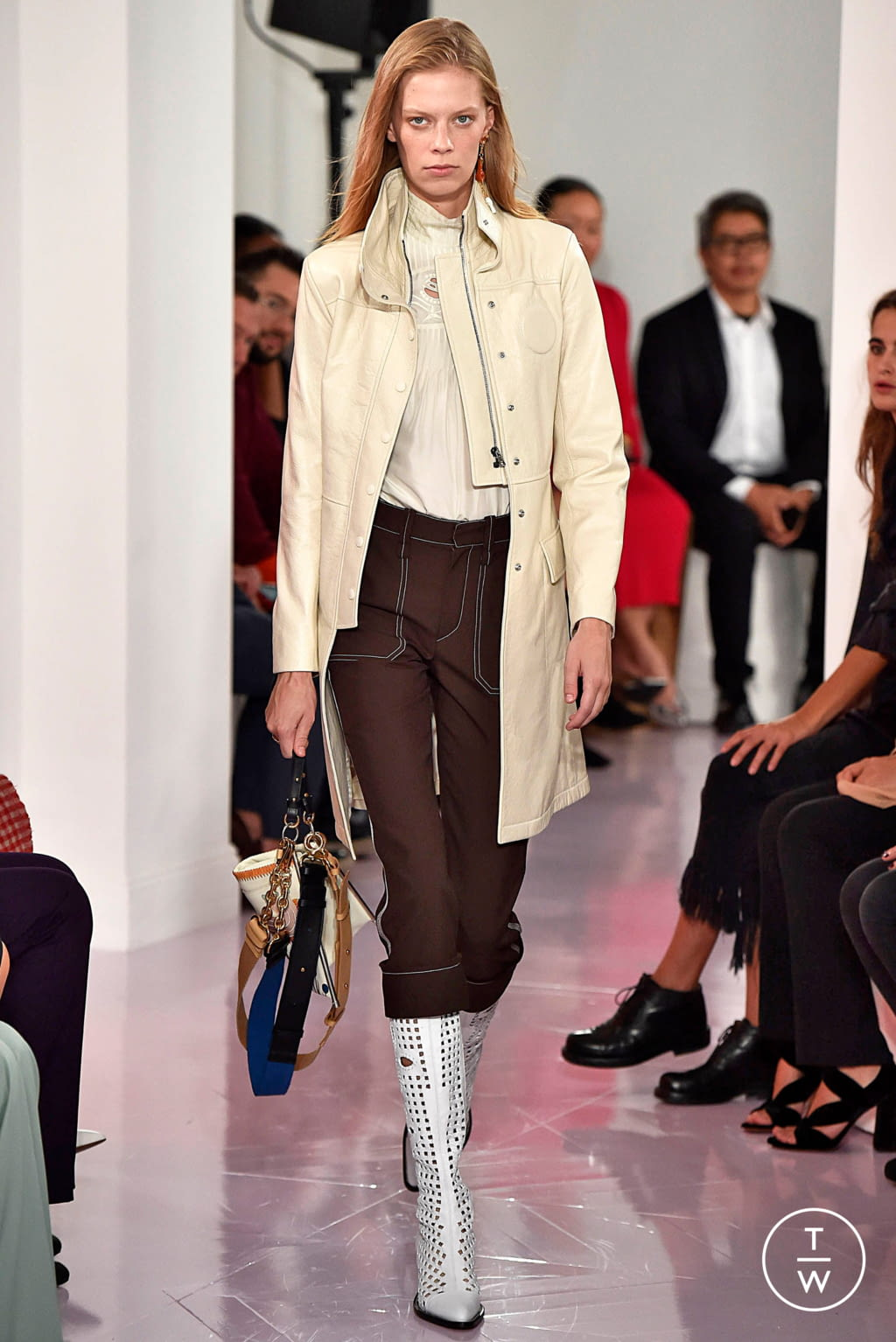 Fashion Week Paris Spring/Summer 2018 look 6 from the Chloé collection womenswear