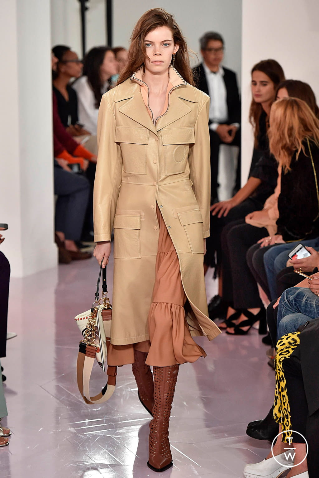 Fashion Week Paris Spring/Summer 2018 look 9 from the Chloé collection womenswear