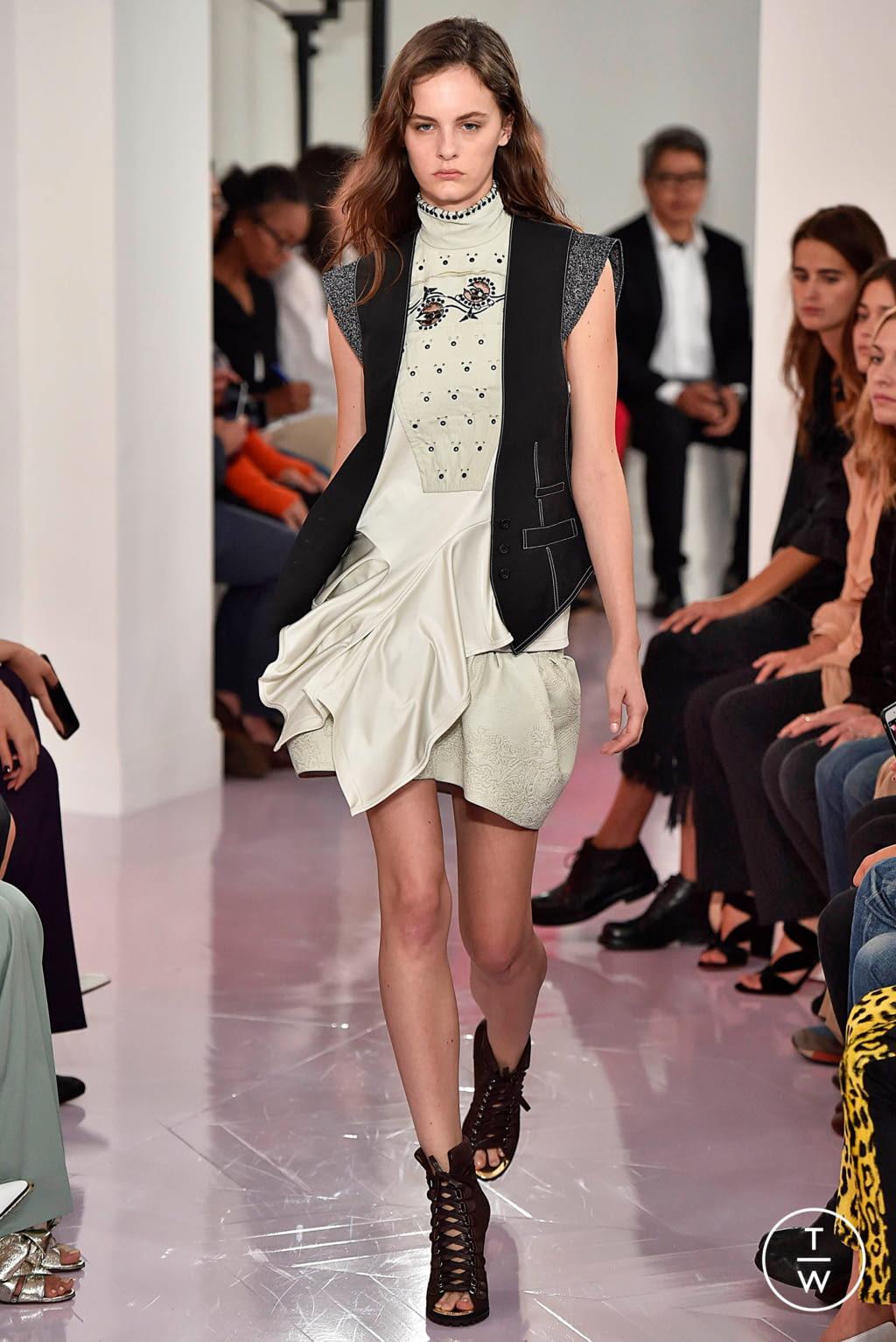 Fashion Week Paris Spring/Summer 2018 look 17 de la collection Chloé womenswear