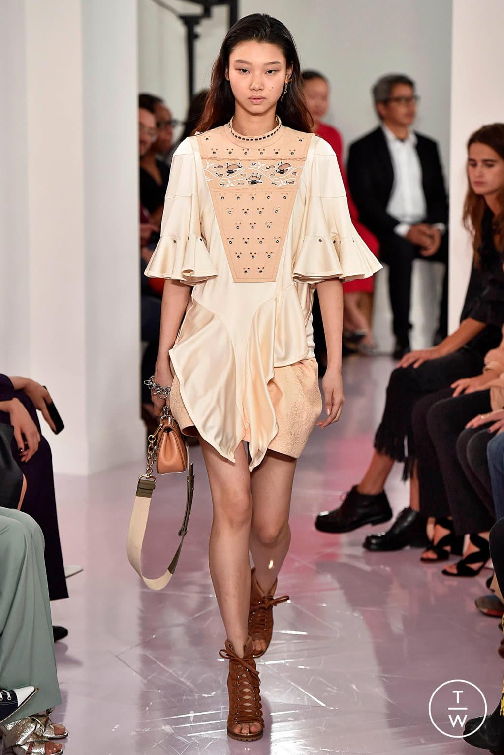 Fashion Week Paris Spring/Summer 2018 look 18 de la collection Chloé womenswear
