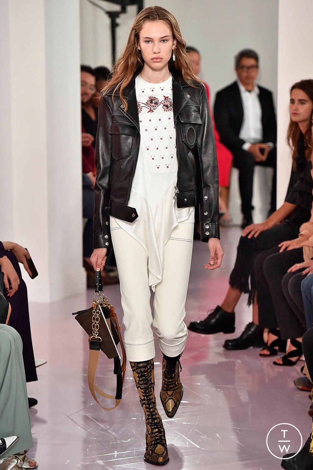 Fashion Week Paris Spring/Summer 2018 look 19 de la collection Chloé womenswear