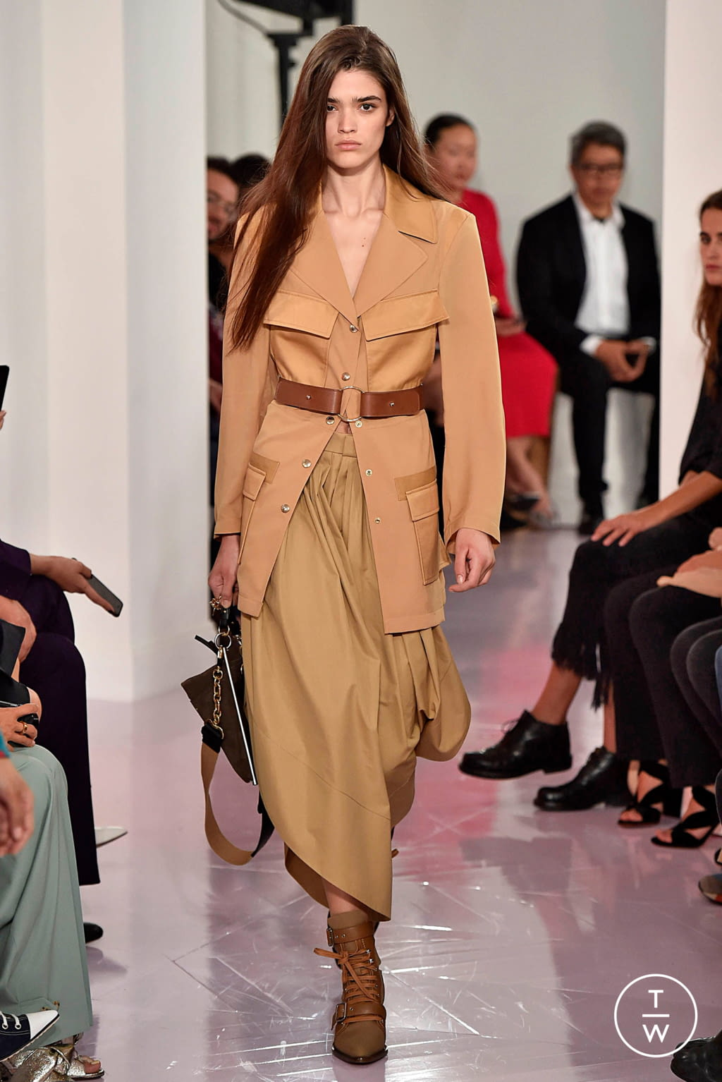 Fashion Week Paris Spring/Summer 2018 look 24 from the Chloé collection womenswear
