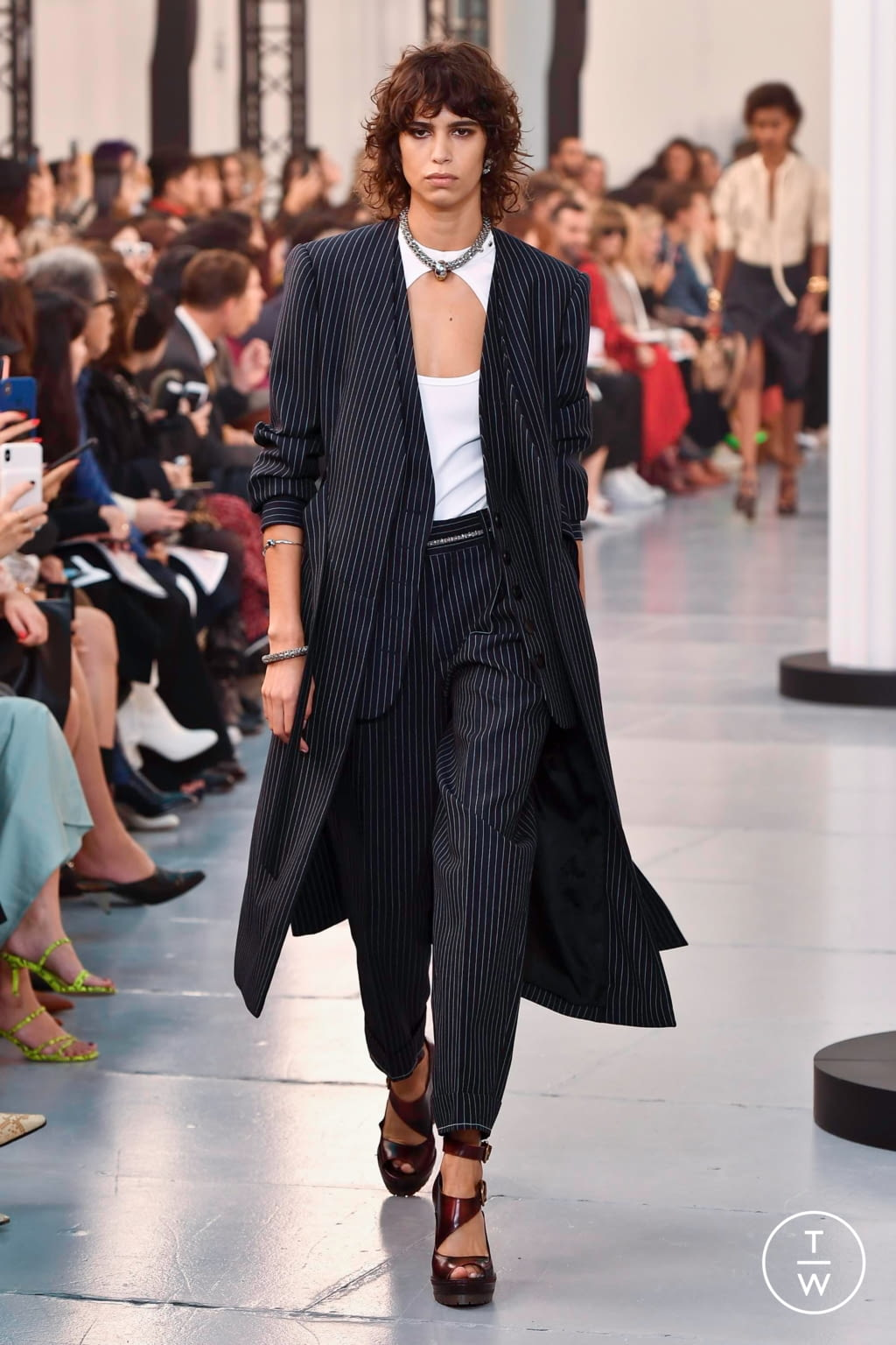 Fashion Week Paris Spring/Summer 2020 look 6 from the Chloé collection womenswear