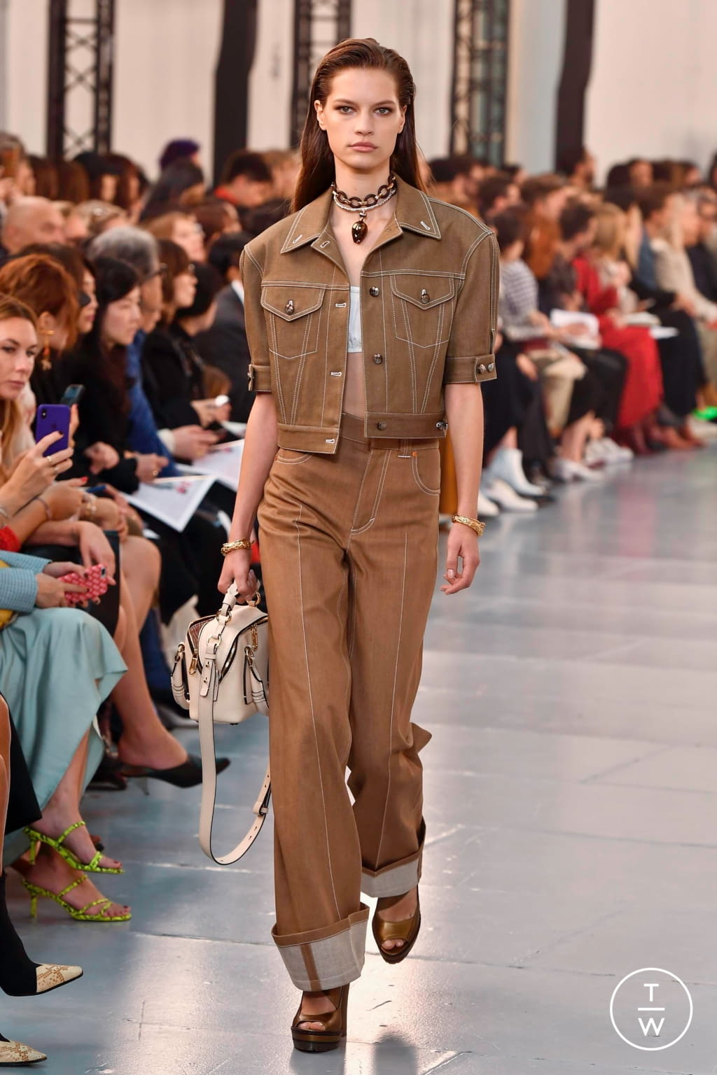 Fashion Week Paris Spring/Summer 2020 look 38 from the Chloé collection womenswear