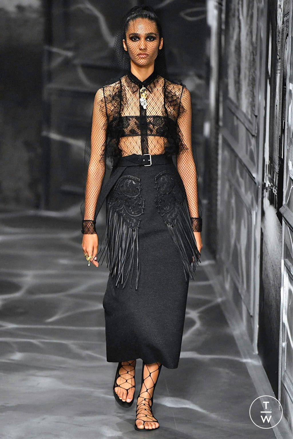 Fashion Week Paris Fall/Winter 2019 look 7 from the Christian Dior collection couture