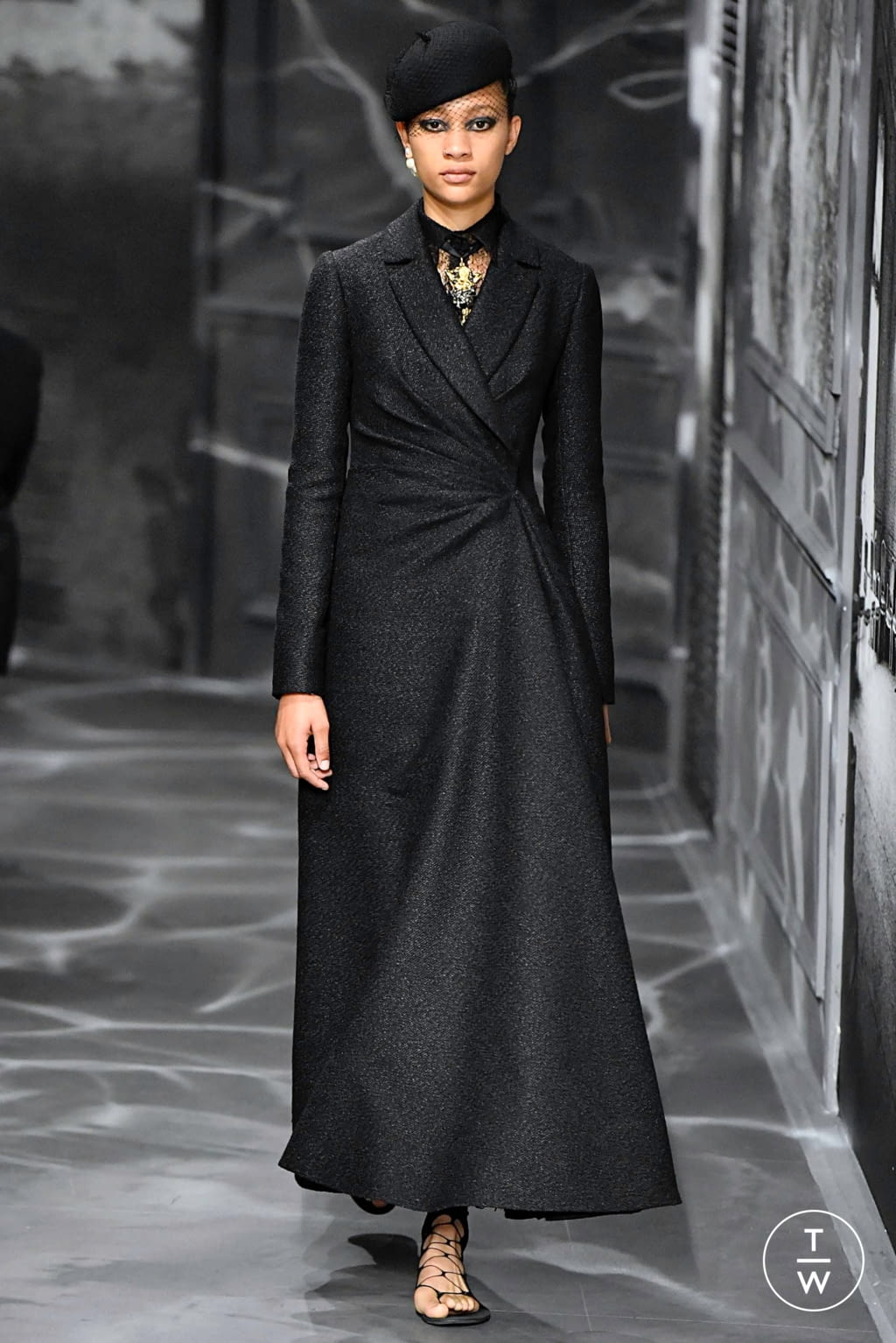 Fashion Week Paris Fall/Winter 2019 look 8 from the Christian Dior collection couture