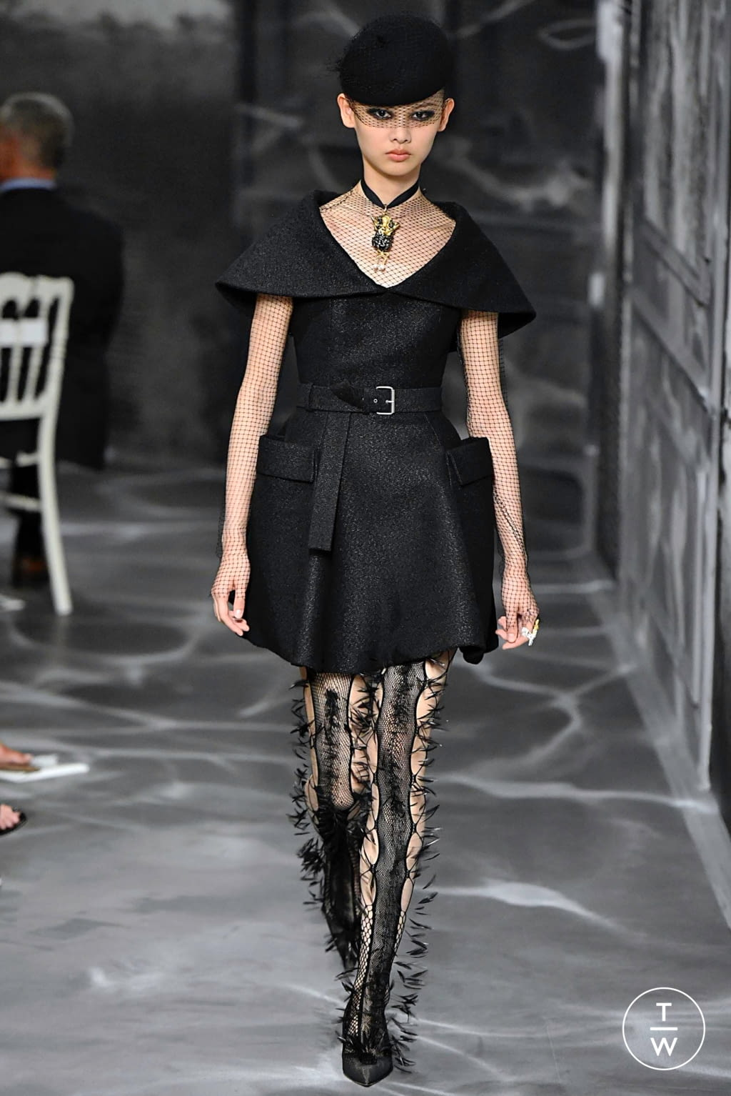 Fashion Week Paris Fall/Winter 2019 look 10 from the Christian Dior collection couture