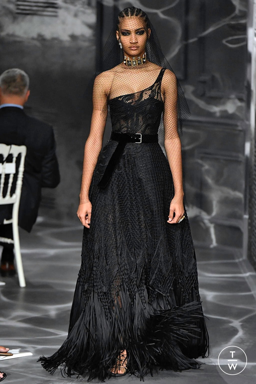 Fashion Week Paris Fall/Winter 2019 look 13 from the Christian Dior collection couture