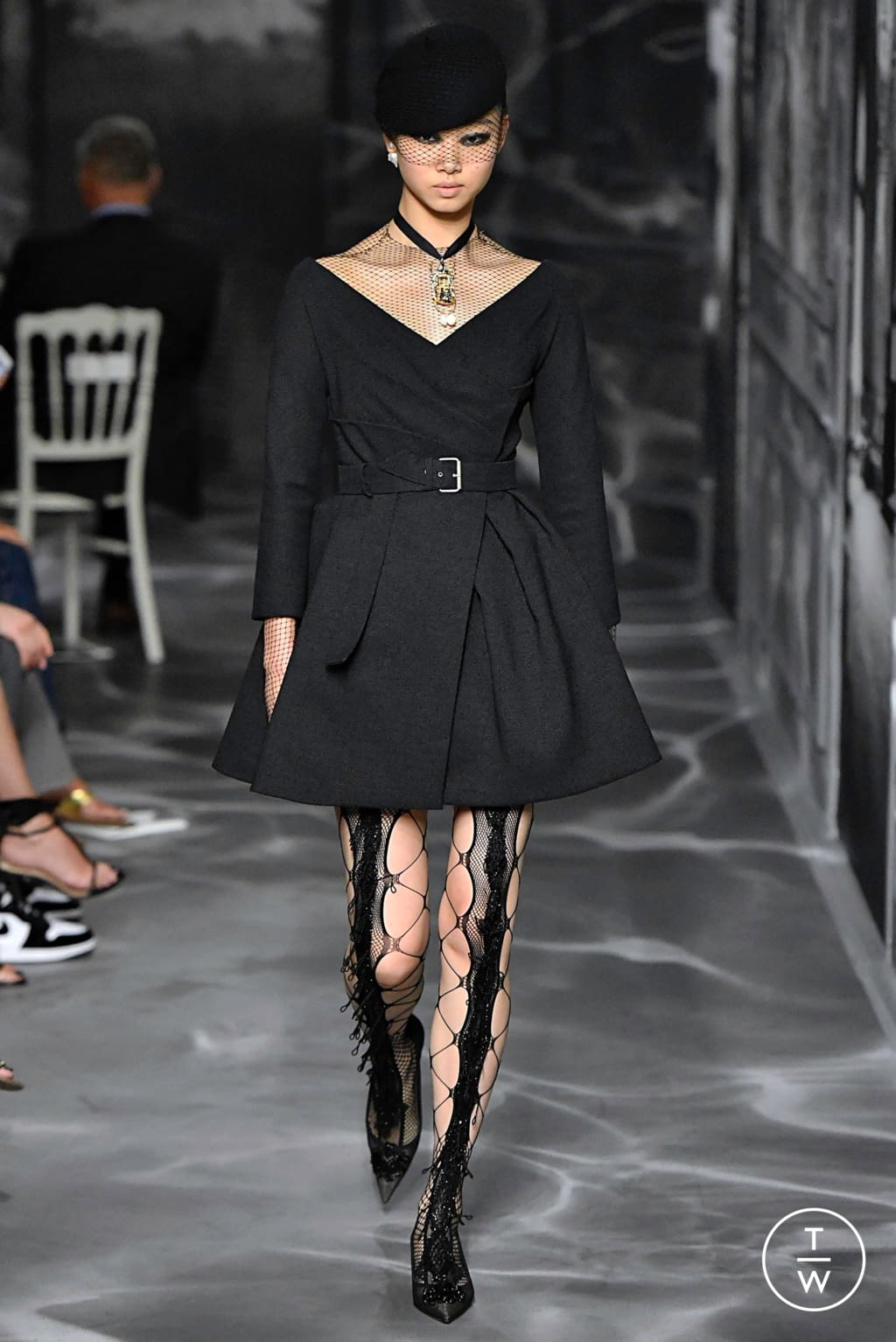 Fashion Week Paris Fall/Winter 2019 look 16 from the Christian Dior collection couture