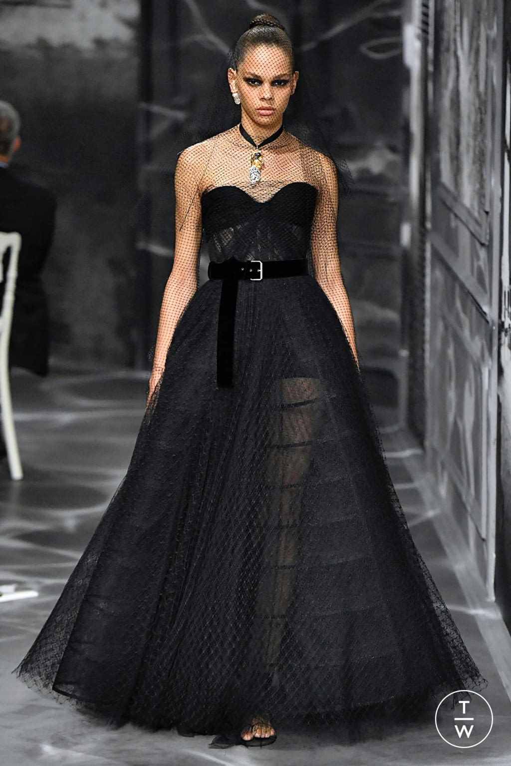 Fashion Week Paris Fall/Winter 2019 look 20 from the Christian Dior collection couture