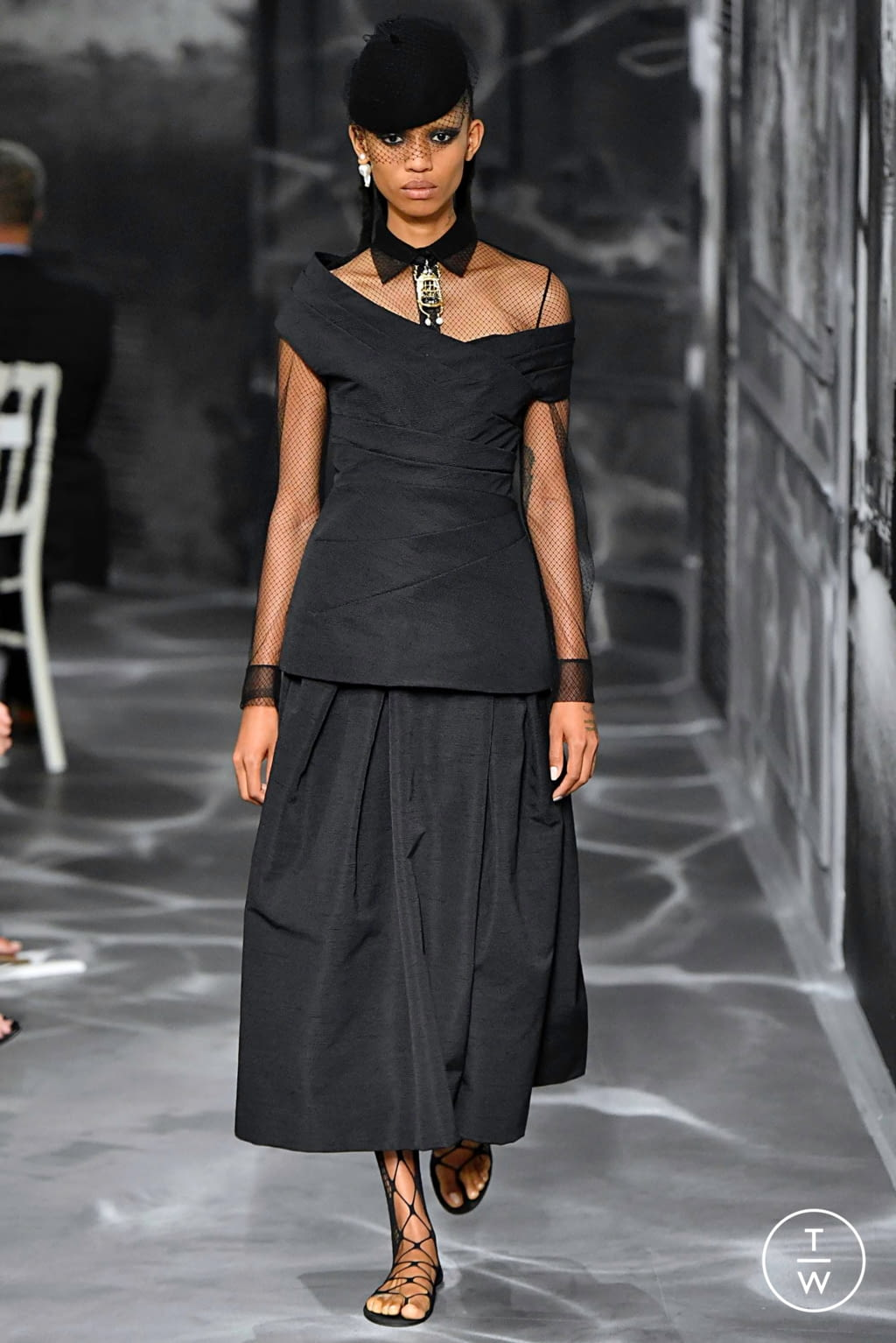 Fashion Week Paris Fall/Winter 2019 look 30 from the Christian Dior collection couture