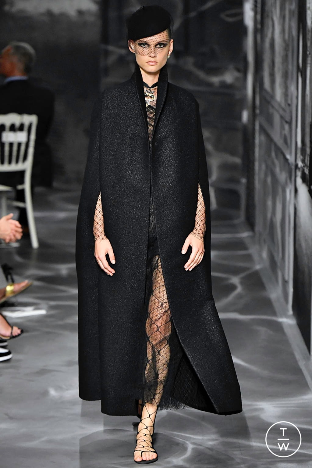 Fashion Week Paris Fall/Winter 2019 look 32 from the Christian Dior collection couture