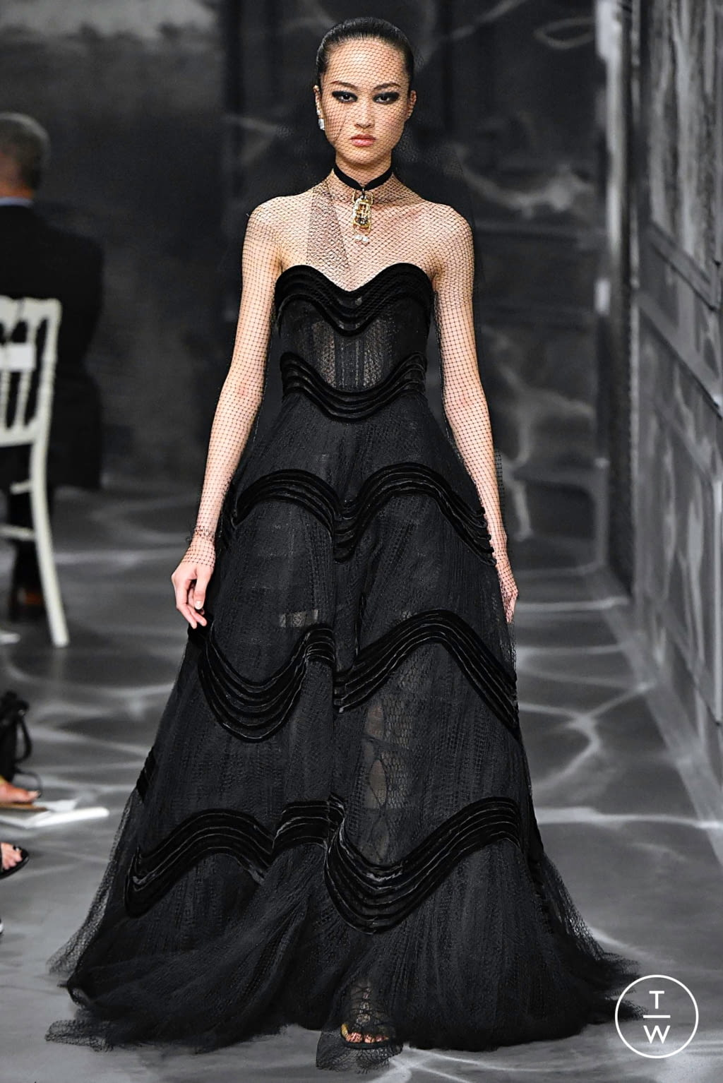 Fashion Week Paris Fall/Winter 2019 look 44 from the Christian Dior collection couture