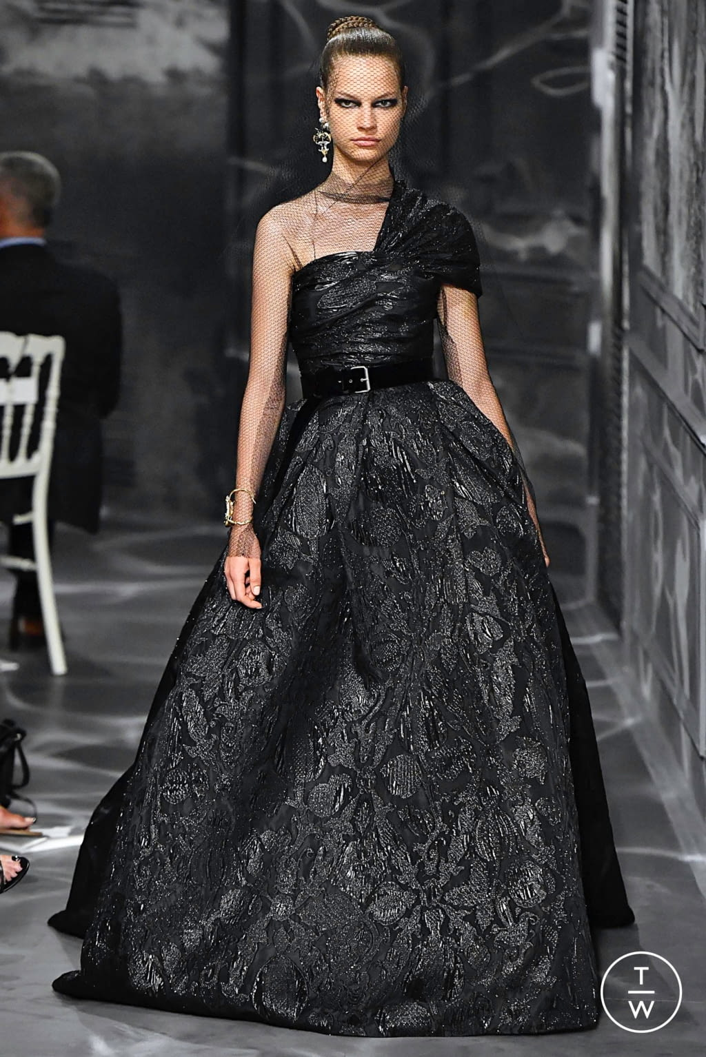 Fashion Week Paris Fall/Winter 2019 look 48 from the Christian Dior collection couture