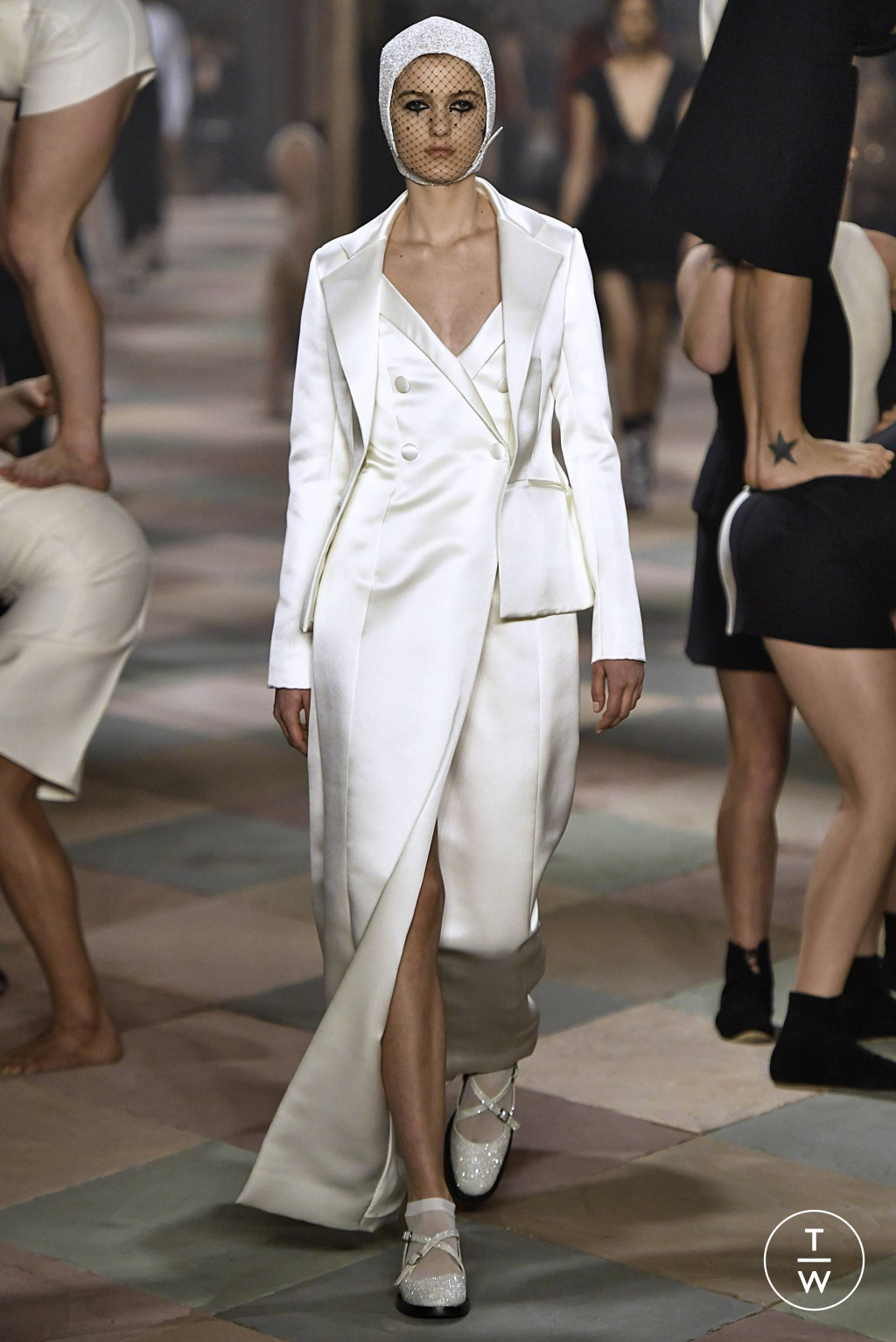 Fashion Week Paris Spring/Summer 2019 look 9 from the Christian Dior collection couture