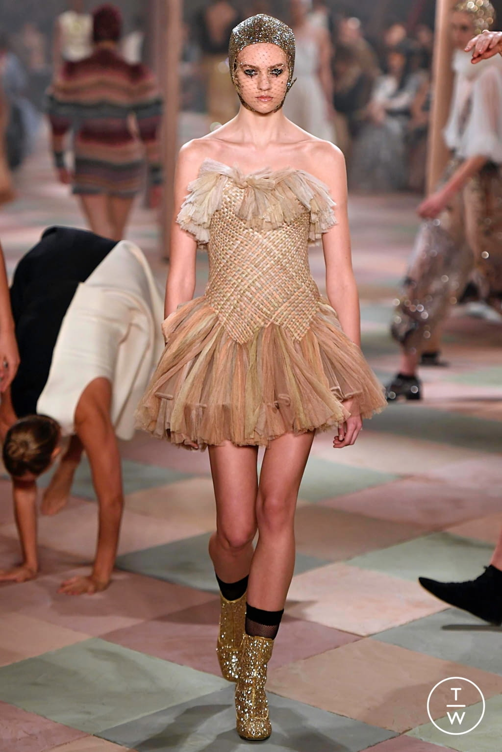 Fashion Week Paris Spring/Summer 2019 look 16 from the Christian Dior collection couture