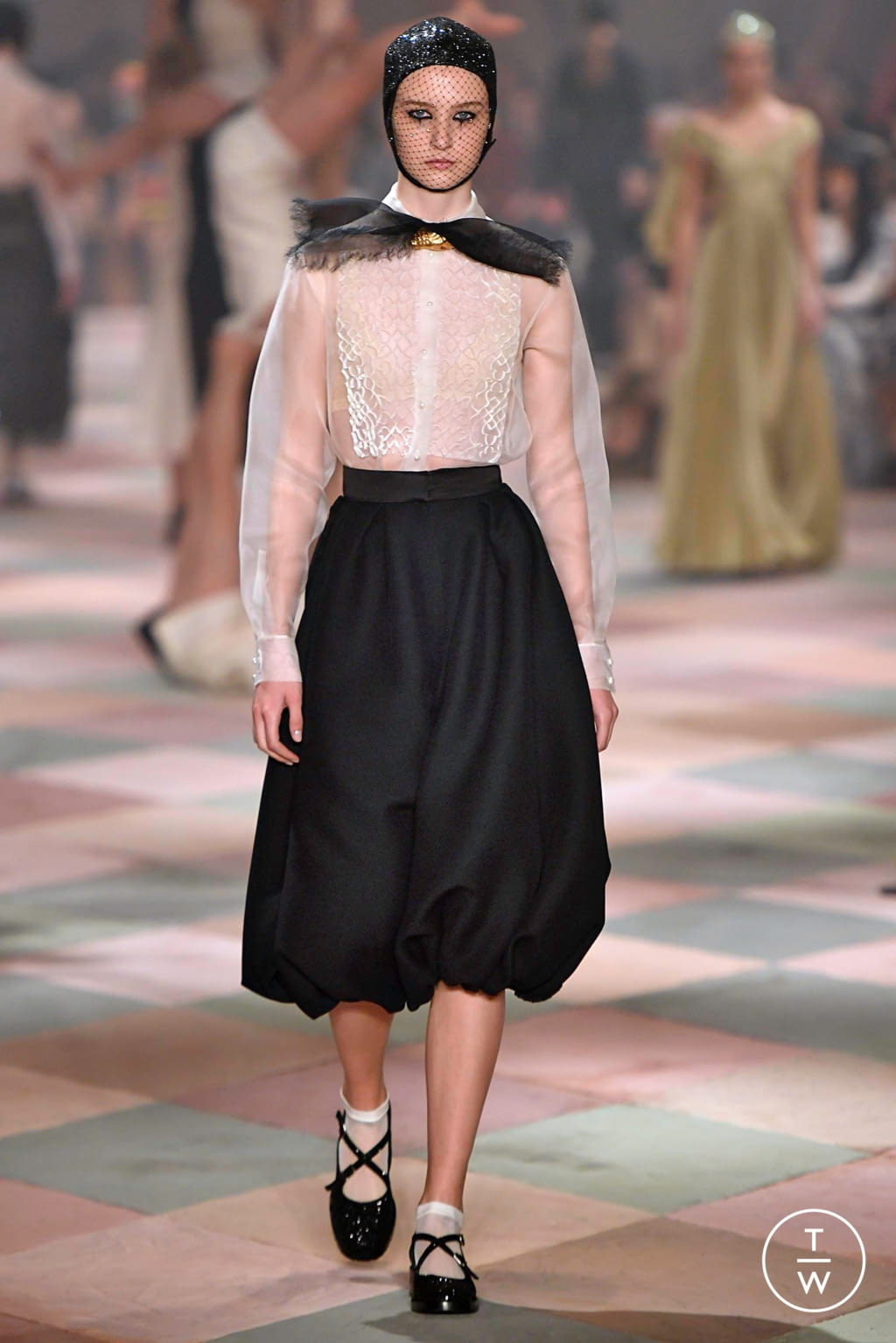 Fashion Week Paris Spring/Summer 2019 look 34 from the Christian Dior collection couture