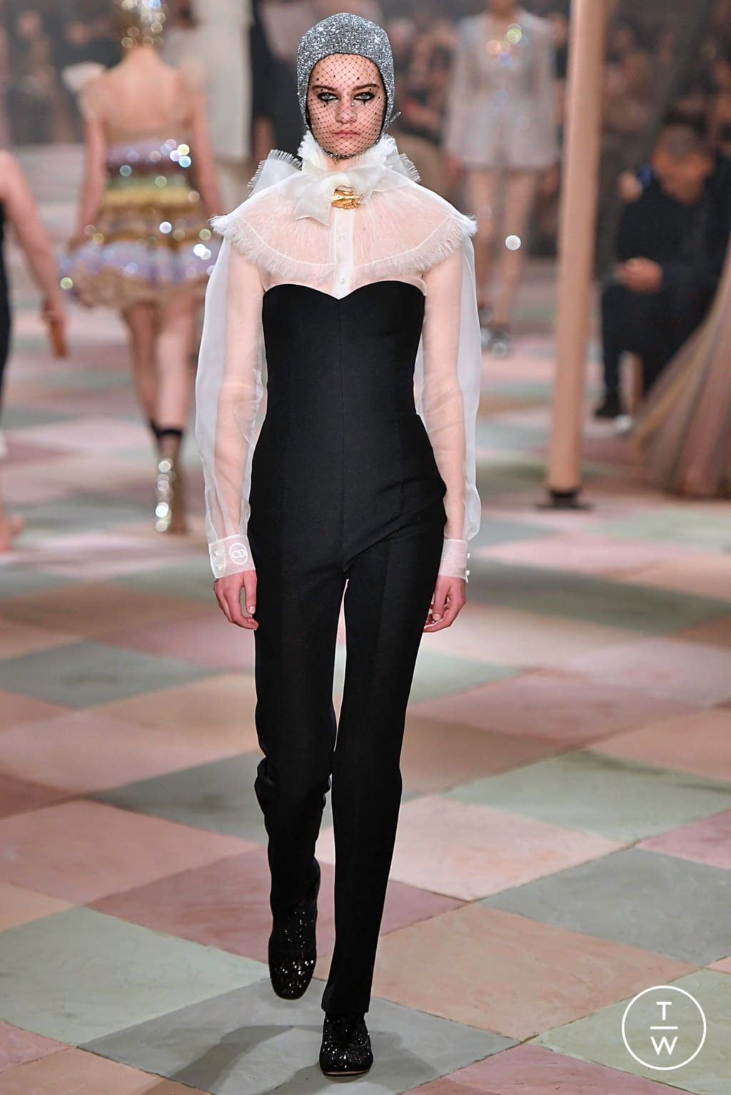 Fashion Week Paris Spring/Summer 2019 look 38 from the Christian Dior collection couture