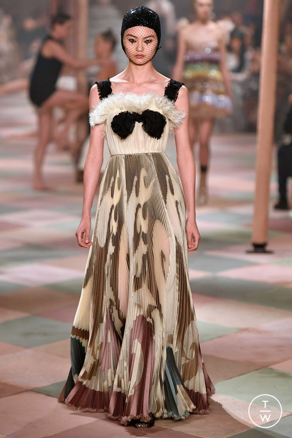 Fashion Week Paris Spring/Summer 2019 look 44 from the Christian Dior collection couture