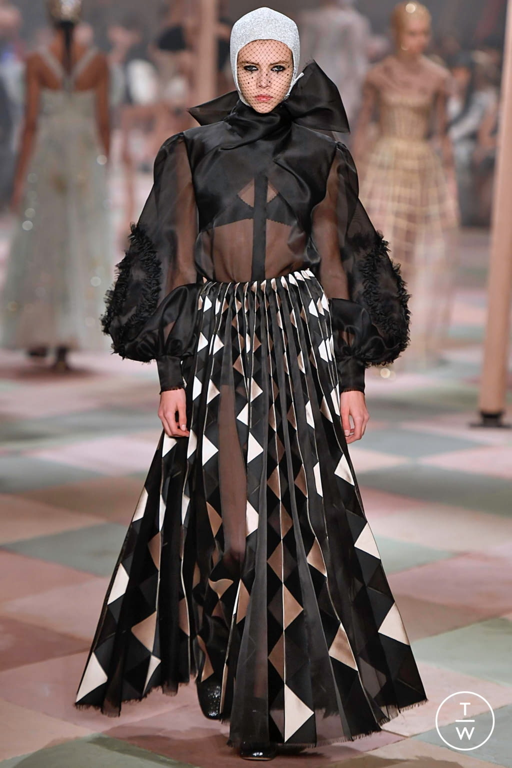 Fashion Week Paris Spring/Summer 2019 look 62 from the Christian Dior collection couture