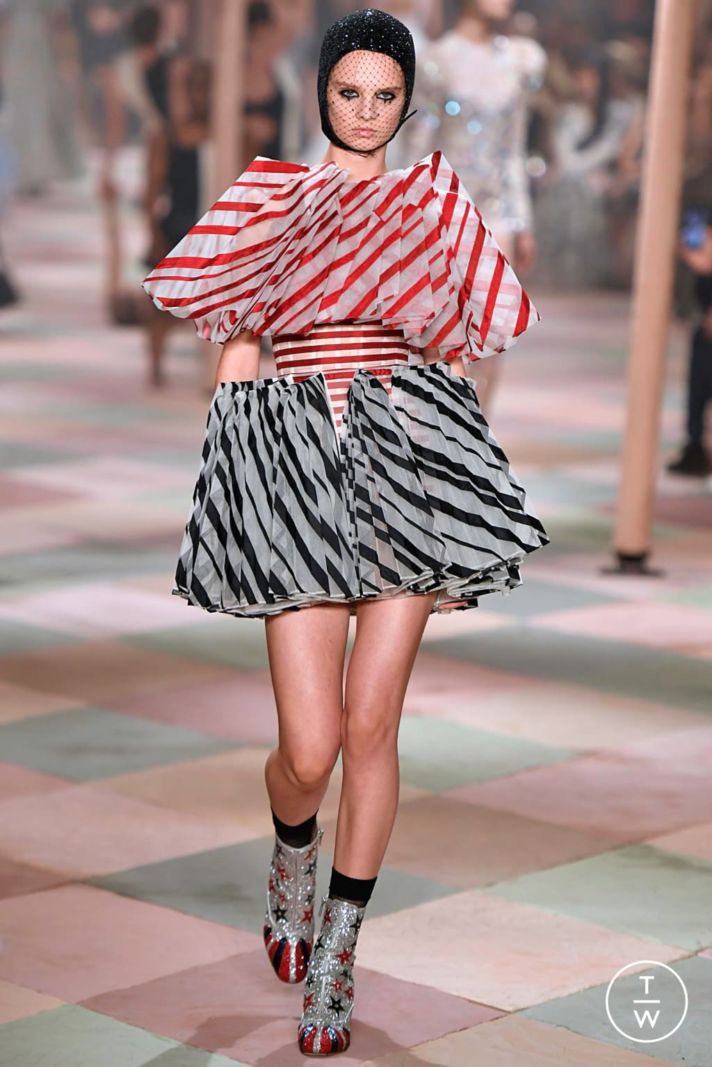 Fashion Week Paris Spring/Summer 2019 look 65 from the Christian Dior collection couture