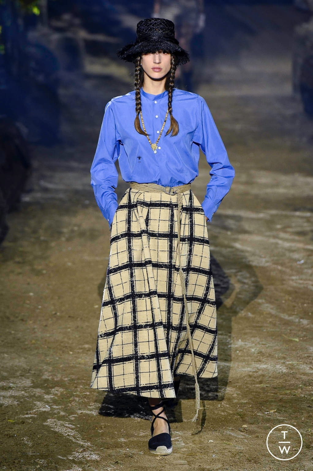 Fashion Week Paris Spring/Summer 2020 look 20 from the Christian Dior collection womenswear
