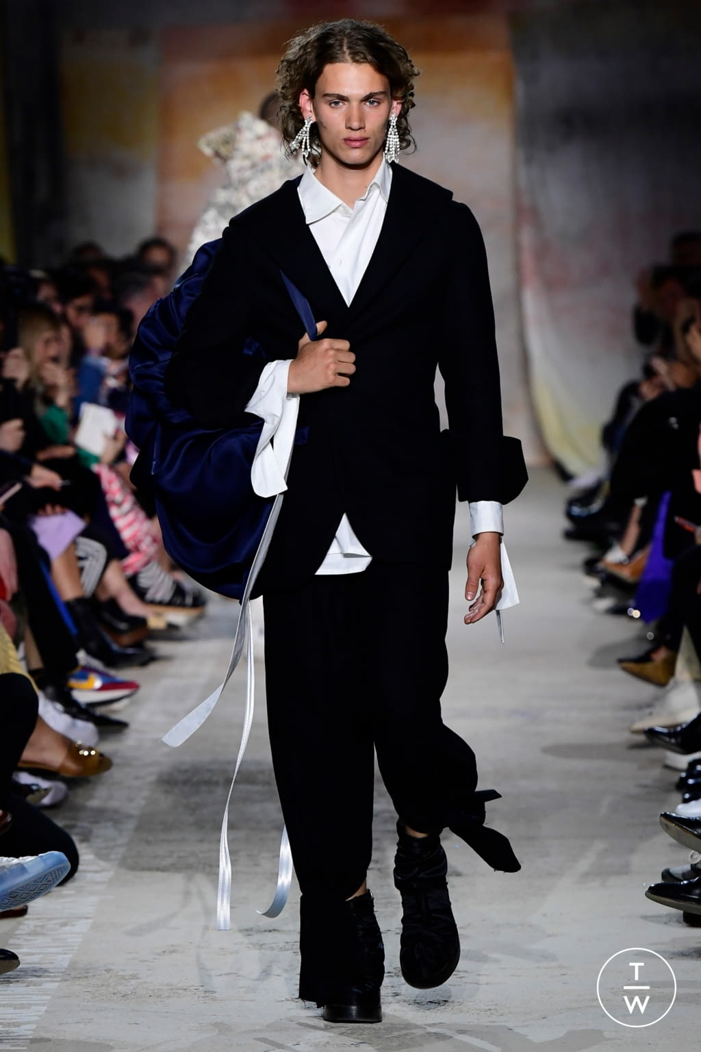 Fashion Week Paris Fall/Winter 2019 look 4 from the Christoph Rumpf collection menswear