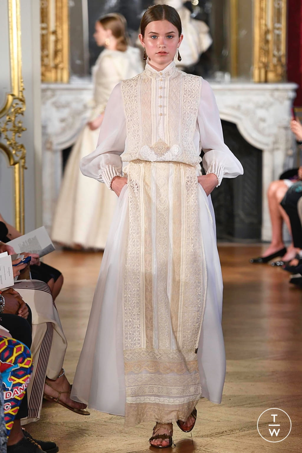 Fashion Week Paris Fall/Winter 2019 look 10 from the Christophe Josse collection couture