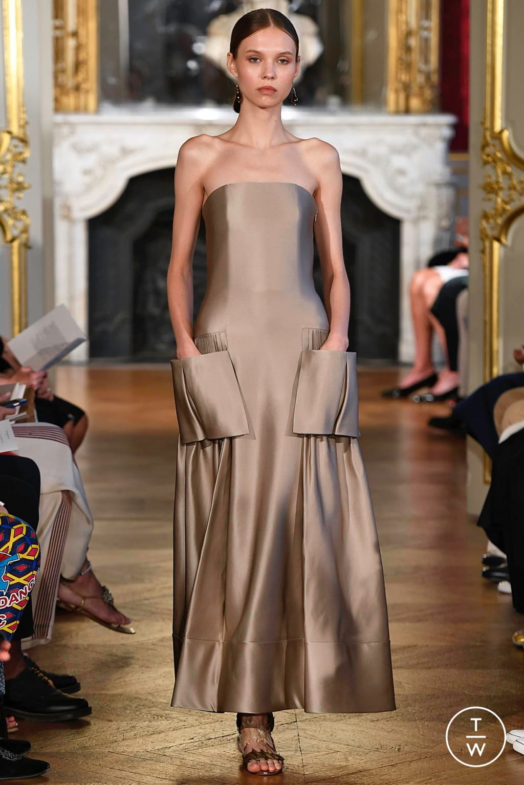 Fashion Week Paris Fall/Winter 2019 look 12 from the Christophe Josse collection couture
