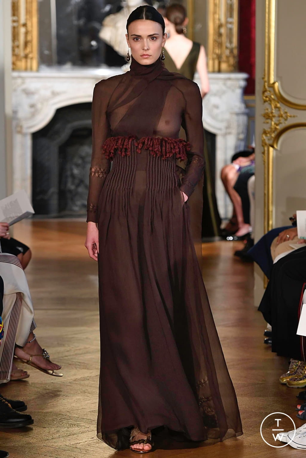 Fashion Week Paris Fall/Winter 2019 look 15 from the Christophe Josse collection couture