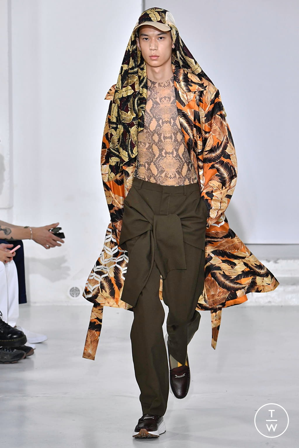 Fashion Week Paris Spring/Summer 2020 look 19 from the CMMN SWDN collection menswear