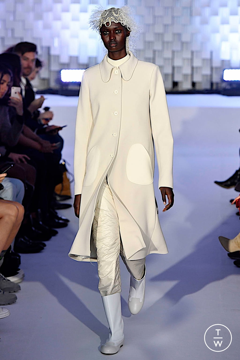 Fashion Week Paris Fall/Winter 2019 look 3 from the Courrèges collection womenswear