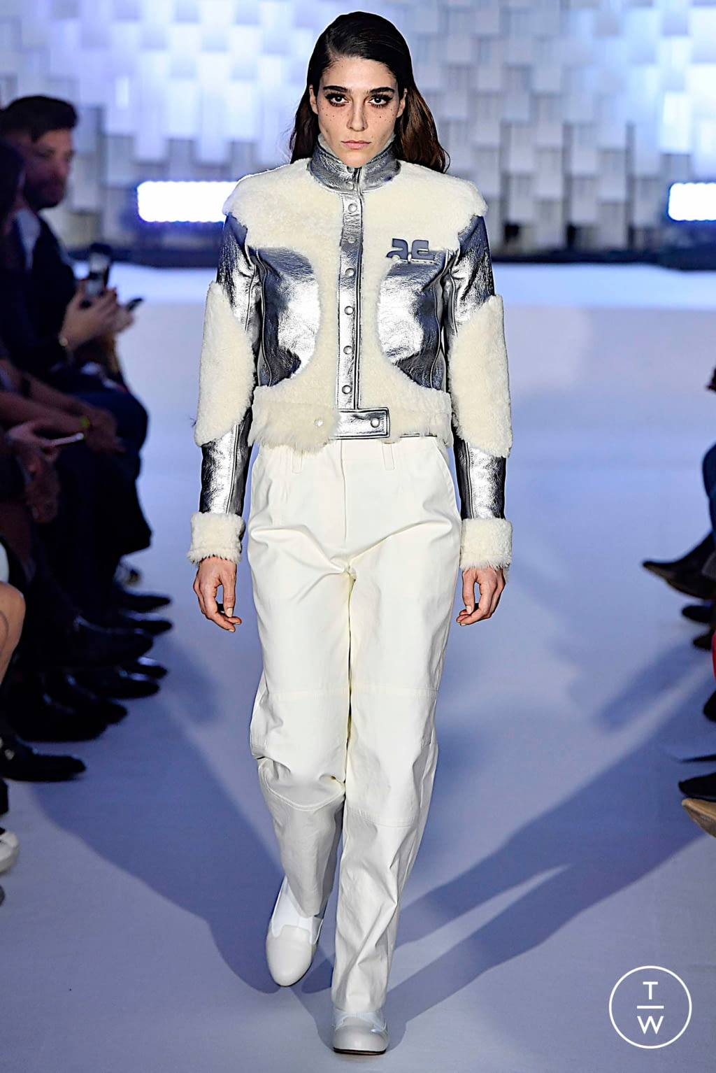 Fashion Week Paris Fall/Winter 2019 look 7 from the Courrèges collection womenswear